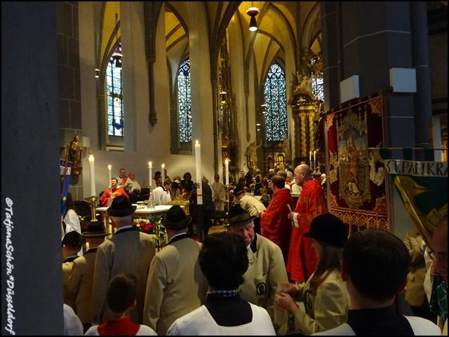 Дюссельдорф, праздничная служба в честь святого Аполлинария, июнь 2015 года