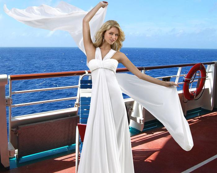 Шаблон женский - Ветер с моря дул (700x560, 314Kb)