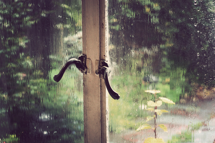 rainywindow (700x466, 399Kb)
