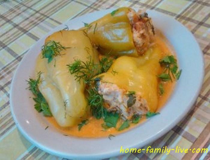 Фаршированные перцы в сметанном соусе в мультиварке пошаговый рецепт с фото