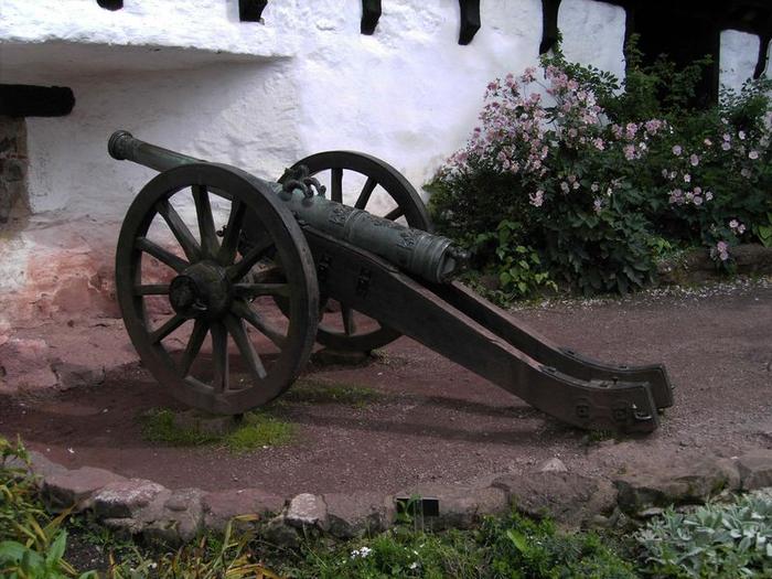 800px-Wartburg-17th.century.gun_ (700x525, 375Kb)