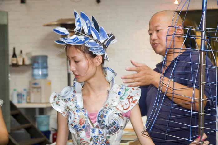 фарфоровая одежда Ли Сяофенга 2 (700x466, 407Kb)