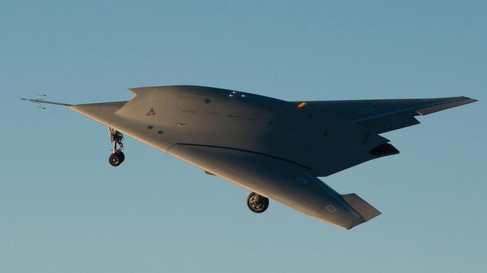 Дассо-Нейрон Скорость до 980 км-ч, макс.взлетный вес 7 т, потолок 14.000м, вооружение 2 УАБ (700x393, 37Kb)