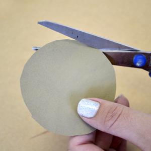 Венок с бумажными розочками. Мастер-класс (5) (300x300, 130Kb)