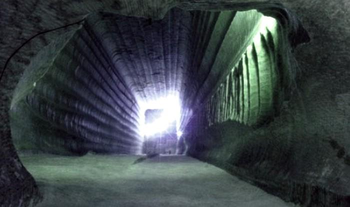 подземные миры-1 (700x414, 56Kb)