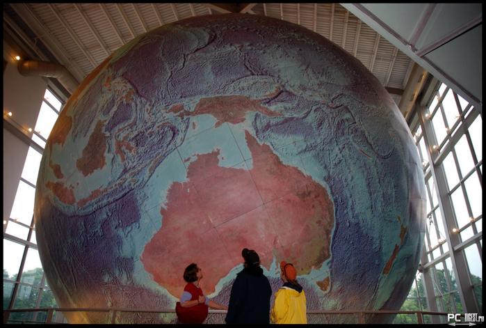 самый большой в мире глобус 3 (700x471, 388Kb)