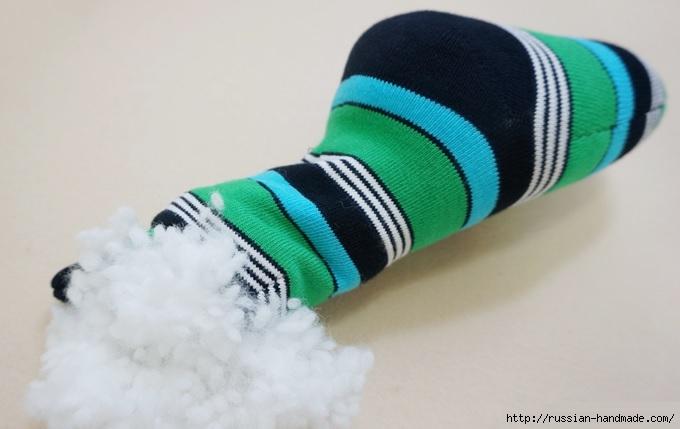 КРОКОДИЛ из носков. Шьем игрушку (7) (680x429, 118Kb)
