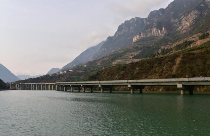 мост вдоль реки китай 3 (700x452, 244Kb)