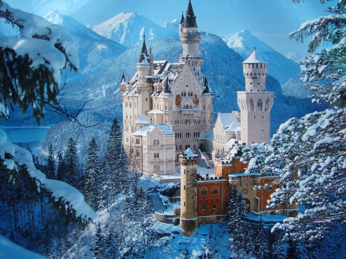 5. Замок Нойшванштайн, Чехия (700x525, 470Kb)