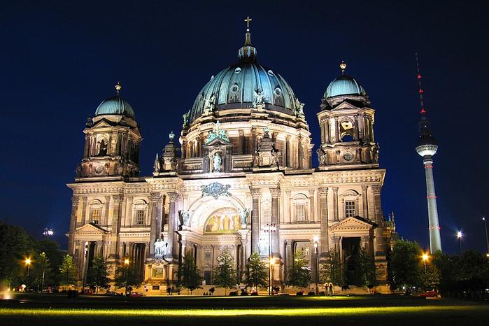 5 поступков, которые необходимо совершить в Берлине (1) (700x466, 385Kb)