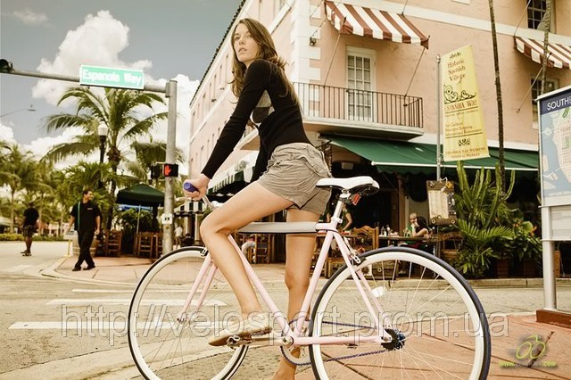 6155653_w640_h640_girl_on_bicycle_46 (640x426, 108Kb)