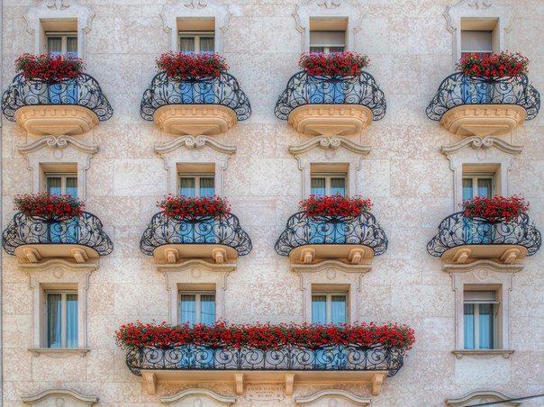 Балконы в городе Лугано, Швейцария (604x452, 85Kb)