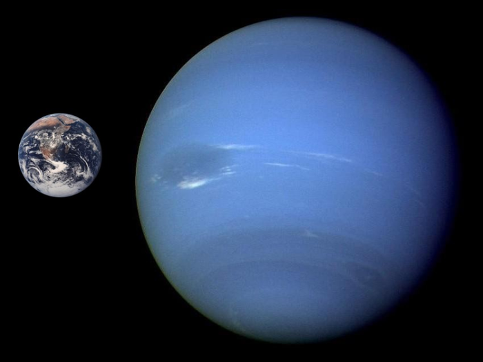 Neptune_Earth_Comparison,������,������� (700x525, 204Kb)