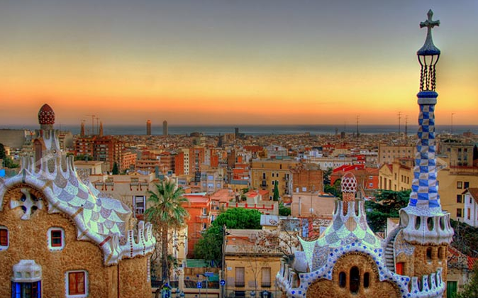 Parc-Guell-is-situated-at-Barcelona-Spain (674x420, 437Kb)