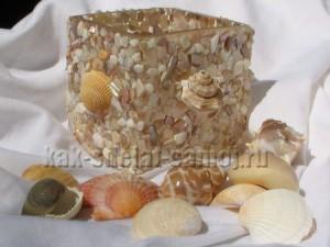 Многие нежась на солнечном морском побережье, имеют привычку собирать красивые камушки и ракушки.