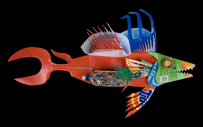 David Edgar пластиковые рыбы 11 (700x441, 151Kb)