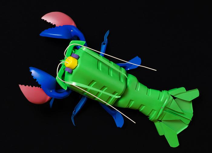 David Edgar пластиковые рыбы 13 (700x508, 205Kb)