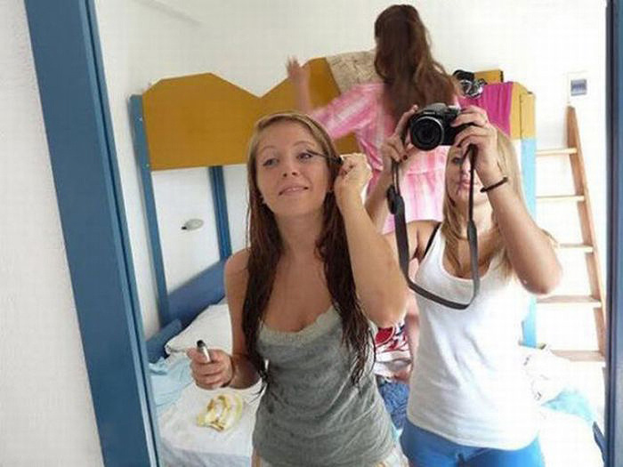 Фото девушек перед зеркалом в купальнике 30 фотография