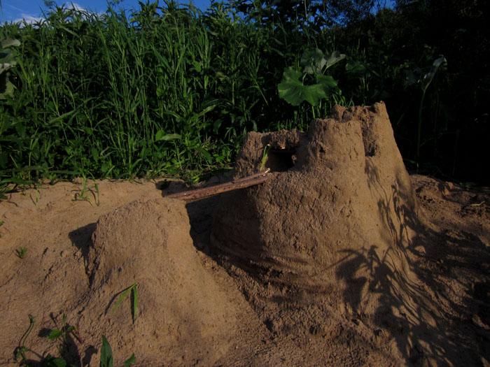 Замок на песке 1 (700x525, 145Kb)