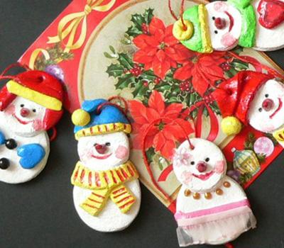 свой цитатник или сообщество!  Предлагаю различные идеи рукотворных снеговиков из...  Дед Мороз и Снегурочка.