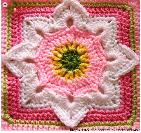 Квадратные цветочные мотивы