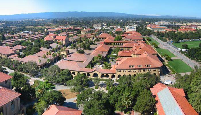 Стэнфордский университет - самый красивый университет в США 6 (700x402, 118Kb)