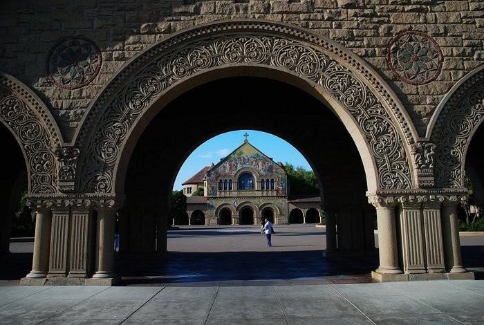 Стэнфордский университет - самый красивый университет в США 12 (700x470, 107Kb)