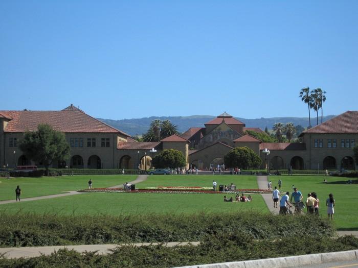 Стэнфордский университет - самый красивый университет в США 16 (700x525, 143Kb)