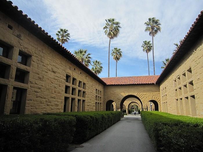 Стэнфордский университет - самый красивый университет в США 19 (700x525, 103Kb)
