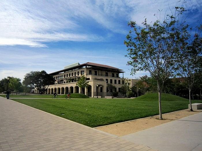 Стэнфордский университет - самый красивый университет в США 23 (700x525, 112Kb)