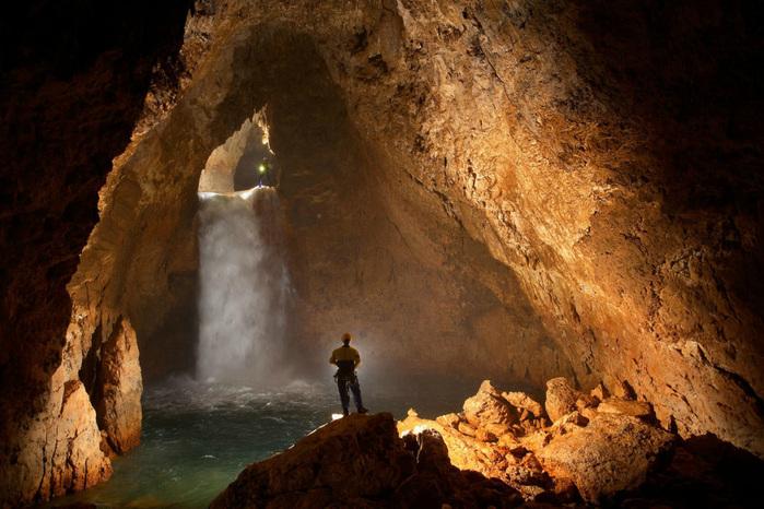 cave-5 (700x466, 164Kb)
