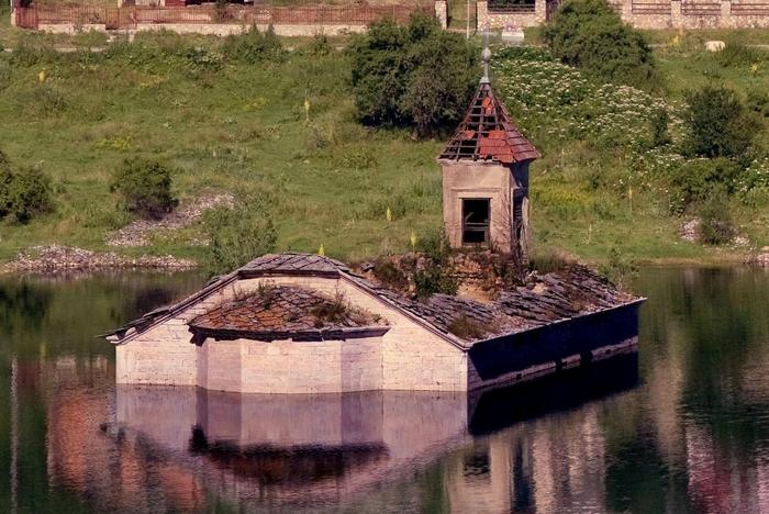 floodedhouses-1 (700x468, 299Kb)