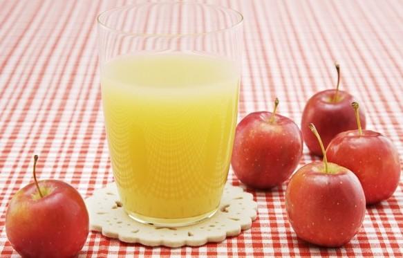 яблочный сок с мякотью/4348076_yablochnii_sok_s_myakotu (583x373, 55Kb)