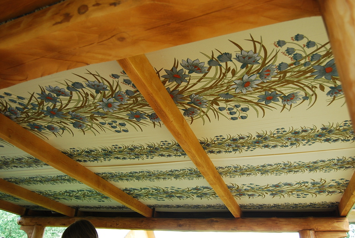 Натянуть ткань на потолок