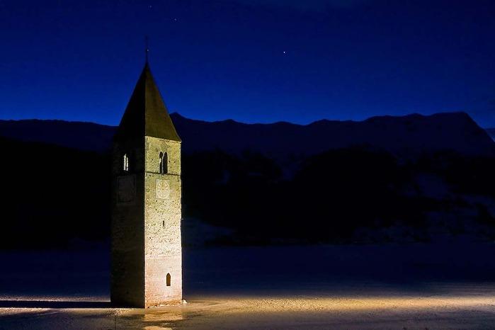 Церковь Altgraun на озере Решензее, (700x466, 43Kb)