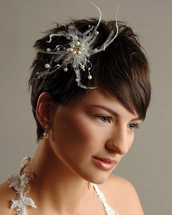 прически на короткий волос фото на свадьбу