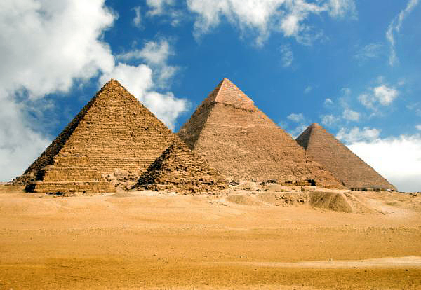 egyptian_pyramids1 (600x414, 201Kb)