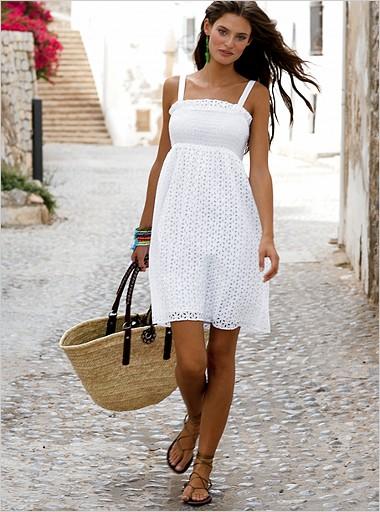 с чем носить белое платье/1342725206_v261671092cu3 (380x512, 71Kb)
