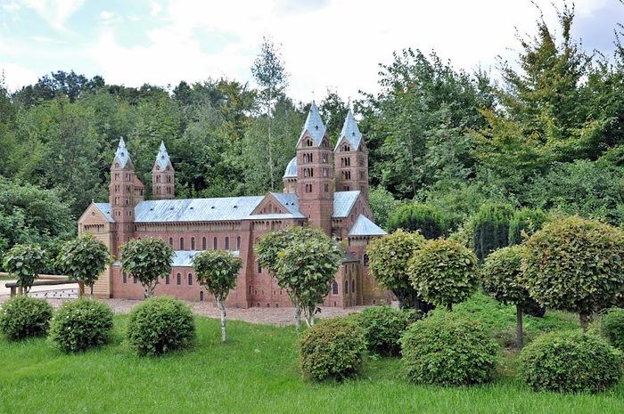 Парк миниатюр в Германии - Miniwelt Lichtenstein, Sachsen. 93598