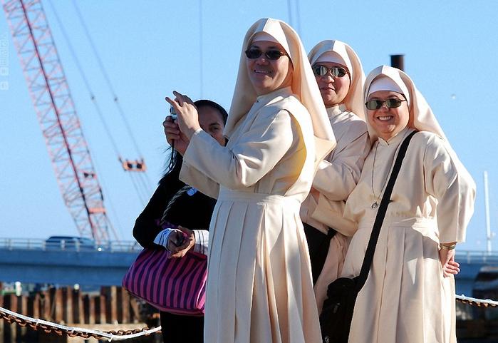 веселая монашка фото 10 (700x481, 257Kb)