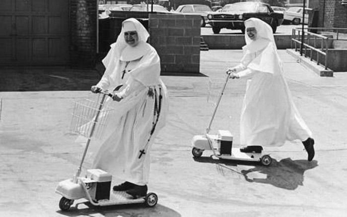 веселая монашка фото 17 (700x438, 162Kb)