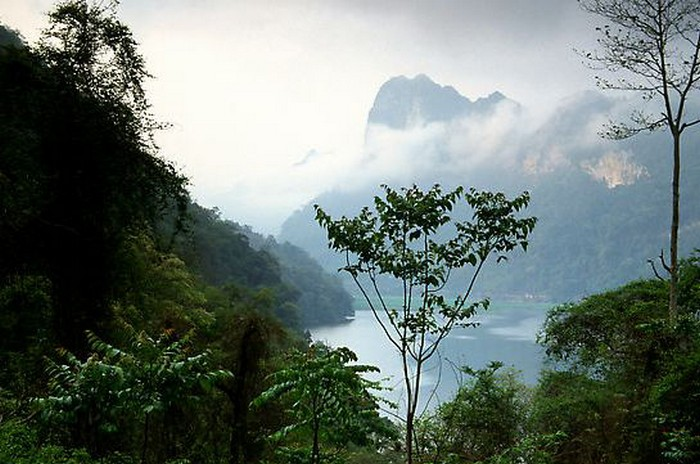 Достопримечательности Вьетнама - озера Ба Бе 1 (700x464, 96Kb)