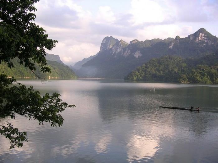 Достопримечательности Вьетнама - озера Ба Бе 5 (700x525, 89Kb)