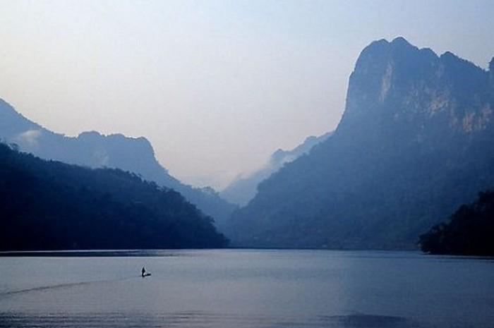 Достопримечательности Вьетнама - озера Ба Бе 15 (700x465, 38Kb)