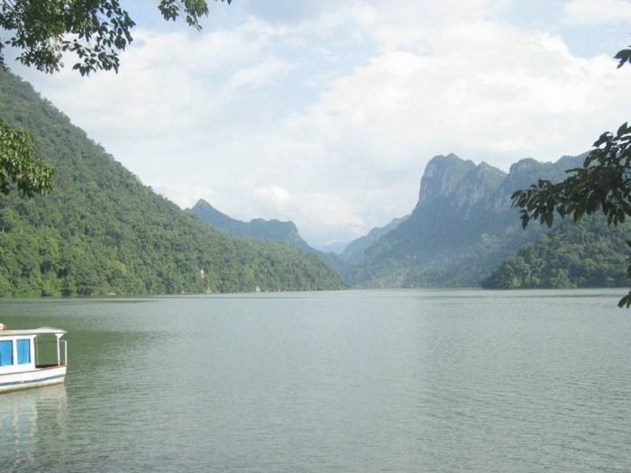 Достопримечательности Вьетнама - озера Ба Бе 17 (700x525, 81Kb)
