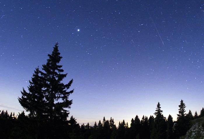 метеоритный поток4 (700x475, 37Kb)