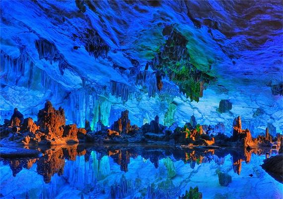 карстовая пещера10 (570x401, 136Kb)