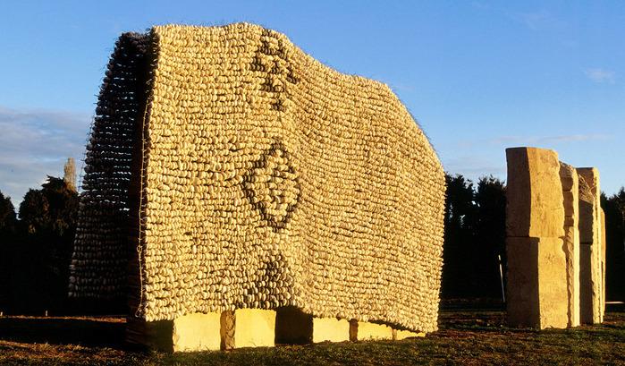 neobychnye-skulptury-iz-kamney (700x409, 171Kb)