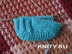 сандали пинетки для мальчика крючком схема вязания. модный шарф крючком для детей.