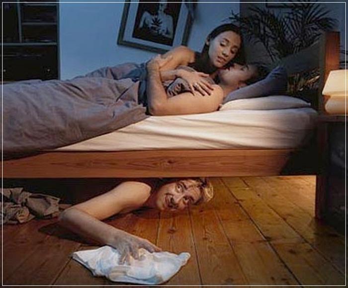 Пристают к спящим 21 фотография
